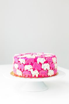 Animal crackers cake