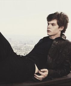 evan peters he's so incredibly hot on American horror story lol