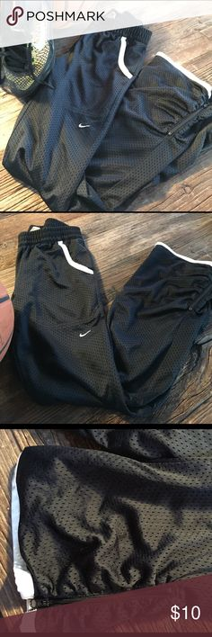 NIKE Warm-ups 🏀 These can be worn by boys or girls. size LARGe Nike Bottoms Sweatpants & Joggers