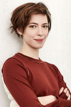 10 beckys with good hair: Rebecca Hall actress sporting a choppy short do. Beautiful Celebrities, Beautiful Actresses, Taurus, Rebecca Hall, Long Pixie Cuts, Flawless Face, Dream Hair, Female Images, Cut And Color