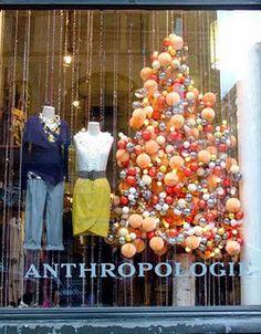 Christmas window. Amorphous tree... Hmmm