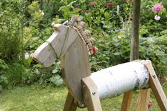 Pferd aus Birkenstamm