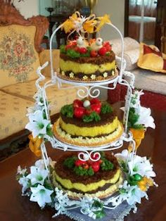 Simple I Chef, Rice Cakes, Indonesian Food, Food Art, Gingerbread, Wedding Cakes, Traditional, Food Decorations, Cooking