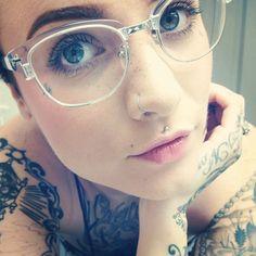 #piercing #tattoo #glasses www.bodycandy.com