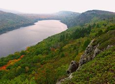 Beautiful angle of Lake of the Clouds in the fall #PorcupineMountains