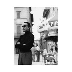 #inspiration Pianist Arturo Benedetti Michelangeli in Lugano in the 60's.  #mood #moodoftheday #pianist #music #60s #lugano #italie #italy #menswear #bw #nb #tbt #throwbackthursday #throwback #menwithclass #chic #ootd #ootdmen