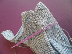 ARTES-ANAS: SANDALIA-ZAPATO DE VERANO BEBÉ A DOS AGUJAS Baby Booties Knitting Pattern, Knitting Patterns, Crochet Patterns, Crochet Baby, Knit Crochet, Baby Presents, Summer Jacket, Baby Born, Baby Wearing
