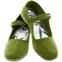 Pot-luxe Dinner Flat in Green (€26) ❤ liked on Polyvore featuring shoes, flats, ballet flat, flat, green, women's shoe, flat shoes, maryjane flats, mary jane flat shoes and ballerina flat shoes