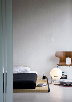 Minimalist Bedspace. Great style going on here.