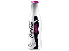 Resultados de la Búsqueda de imágenes de Google de http://www.highsnobiety.com/news/wp-content/uploads/2010/04/Karl-Lagerfeld-Coca-Cola-Light-Bottle.jpg
