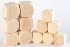 Houten dobbelsteen - http://credu.nl/product/houten-dobbelsteen-40mm-x-40mm/