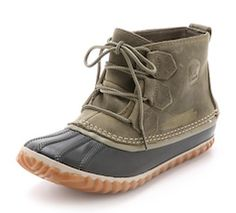 Waterproof brown boots