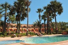 Heerlijk genieten van Gambia – 7 dagen voor 2 personen Golden Beach is een kleinschalig hotel met verzorgde kamers en persoonlijke service, gelegen direct aan het fijne zandstrand. Het is hier op en top genieten van de prachtige natuur, de vele faciliteiten en gemoedelijke sfeer.