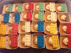 I made these Lego-cupcakes for my little one's birthday party in kindergarten First Birthday Parties, First Birthdays, Lego Cupcakes, In Kindergarten, Little Ones, Sugar, Cookies, Party, Desserts