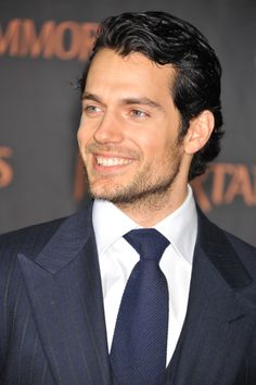 Henry Cavill - Oh that smile!