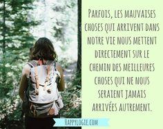 Citation en français - Minimalisme, aller à l'essentiel, abondance, avoir assez, non attachement, bonheur, collectionner les moments pas les choses, gratitude, authenticité