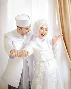 ideas for wedding dresses simple hijab Muslimah Wedding Dress, Muslim Wedding Dresses, Wedding Hijab, White Wedding Dresses, Wedding Bridesmaids, Bridesmaid Dress, Dress Wedding, Wedding White, Trendy Wedding
