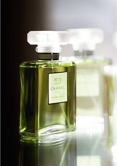 Chanel No19- Ylang, jasmine, orris and galbanum.