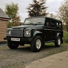 Land Rover Defender 110 Td4 Sw Se genuine factory made specifications. Epson green it's good for...
