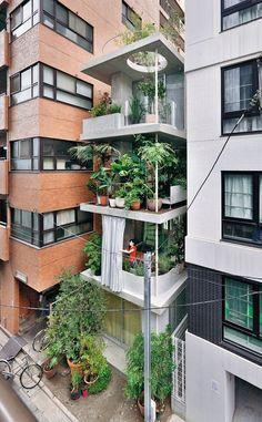 subtilitas:  Ryue Nishizawa - Vertical garden house, Tokyo 2013. Via, photos (C) Iwan Baan.