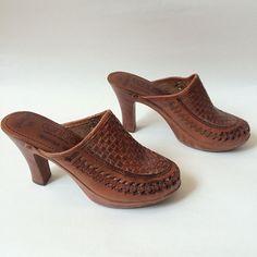 Vintage Brown Clog Heels 6 by Baxtervintage on Etsy, $35.00