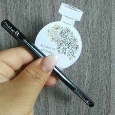 Amores, vocês já sabem da ação promocional do @oboticario que está dando um lápis retrátil MakeB grátis?Não???!Corre no blog que eu conto como fazer o cadastro e retirar numa loja aí perto de vc. 👉https://itsdaicoelho.blogspot.com.br 👈Link na BioAproveita e conferi o post sobre a nova fragrância do Floratta 😍😍 #itsdaicoelho #makeb #boticario #love #lapisretratil #make #makeup #maquiagem #vidadeblogueira #ficaadica #resenha #brindegratis #makeupaddict #makeuplovers #maquiagembrasill…