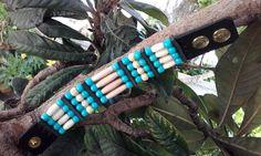 Bracelet amérindien 4 rangs os, perles turquoise et bois -  ref: B 188 de la boutique IndianHeritageArts sur Etsy