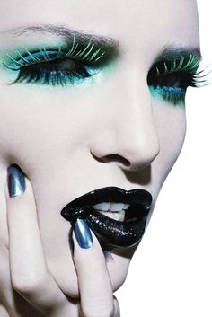 editorial makeup http://weheartit.com/entry/43884778/Very cool