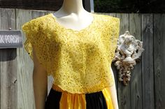 Embellished with beads. Traditional Fashion, Traditional Outfits, Barong Tagalog For Women, Modern Filipiniana Dress, Lemon Yellow, Filipina, Bulletin Boards, Bullying, Philippines