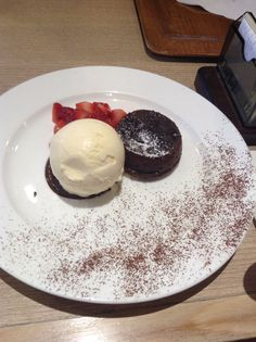 choc lava with vanilla icecream