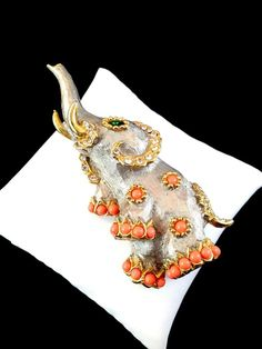 RARE COUTURE KENNETH J. LANE MAHARAJA ELEPHANT CORAL CABOCHON RHINESTONE BROOCH #KENNETHJLANE