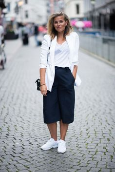 Style...Janka Polliani // Scandi black and white style
