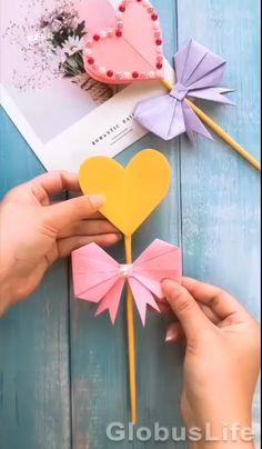Paper Crafts Origami, Diy Crafts For Gifts, Paper Crafts For Kids, Creative Crafts, Preschool Crafts, Fun Crafts, Diy Paper, Valentine Crafts, Christmas Crafts