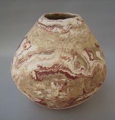 Cerâmica marmorizada de Cibele Nakamura