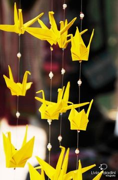 yellow origami... Crane Mobile, Mobile Art, Paper Art, Paper Crafts, Diy Crafts, Asian Party Themes, 1000 Paper Cranes, Mobiles, Yellow Paper