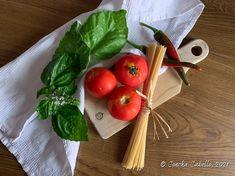 Spaghetti con Tomate y Albahaca   Mise en place Gazpacho, Pasta, Vegetables, Food, Tomato Basil, Tasty, Mise En Place, Essen, Vegetable Recipes