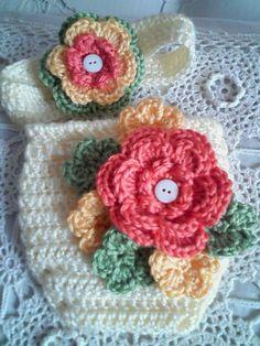 Headband & diaper cover.  So Pretty!