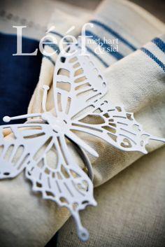 Fotograaf - Candice Askham Afrikaans, Dragonflies, Laser Cutting, Linens, Butterflies, Glass Art, Projects To Try, Africa, Paper Crafts