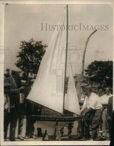 1925-Press-Photo-Charles-River-Basin-model-sailboats-contestants