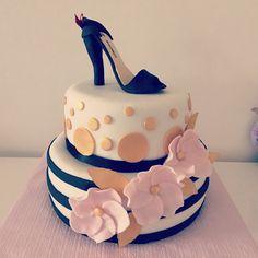 Gateau escarpins Cake, Desserts, Food, Pumps, Cake Ideas, Pie Cake, Tailgate Desserts, Pie, Deserts