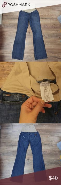 """EUC Joe's Jeans Maternity Distressed Denim size 28 Gently worn boot cut Joe's Jeans purchased from Pea in the Pod. Stretchy belly panel. Medium wash denim. Fraying on pockets and pant hem for distrssed llok. size 28 with 33.5"""" inseam. Joe's Jeans Jeans Boot Cut"""