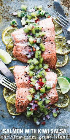 Roasted (or grilled!) Salmon with Kiwi Salsa - Roasted Salmon with Spicy Kiwi Salsa is a 30 minute healthy meal with tons of vibrant flavor! Best Fish Recipes, Whole30 Fish Recipes, Good Healthy Recipes, Salmon Recipes, Grilling Recipes, Gourmet Recipes, Dinner Recipes, Kiwi Recipes Paleo, Tilapia Recipes