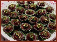 HAJANY - Recepty - Cukroví - 23 receptů s obrázky Czech Recipes, Mini Cupcakes, Tiramisu, Baking Recipes, Sweet Tooth, Cheesecake, Food And Drink, Breakfast, Desserts