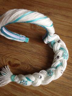 I could totally do that!  Elsa inspired hair headband.. Elsa inspired by GirlzNGlitter