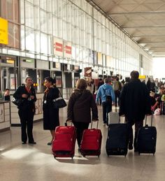 An Irishman's guide to London's airports - Some of the pros and cons of the various #airports in and around #London, based on personal experiences. #IrishInBritain The Irish Post http://www.irishpost.co.uk/