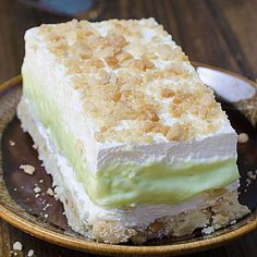 Key Lime Pie Lasagna: From scratch! cool, light and creamy summer dessert with s… Key Lime Pie Lasagna: From scratch! cool, light and creamy summer dessert with sweet and tart layers of yumminess. 13 Desserts, Layered Desserts, Delicious Desserts, Dessert Recipes, Yummy Food, Key Lime Desserts, Key Lime Jello Recipes, Key Lime Layered Dessert, White Chocolate