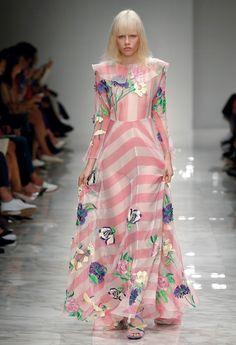 Impalpable Elegance – Blumarine Spring Summer 2016 Fashion Show collection #mfw