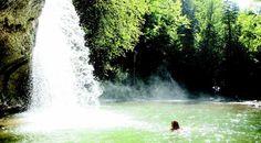 Rivières, lacs, cascades : la France regorge de lieux idylliques pour vous baigner si vous n'aimez pas la plage. Tour d'horizon.
