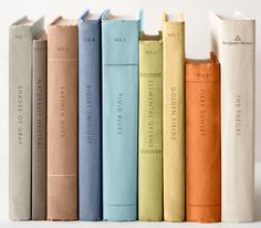 * Chic Provence *: Buried in Books... :)