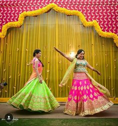 @maan4121997 bride and her sister on sangeet